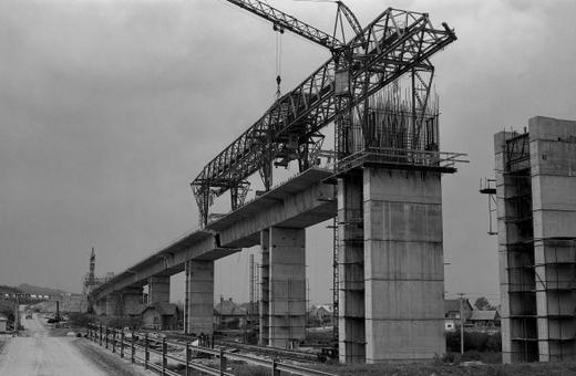 Časy ČSSR: Diaľnica bude v roku 1990
